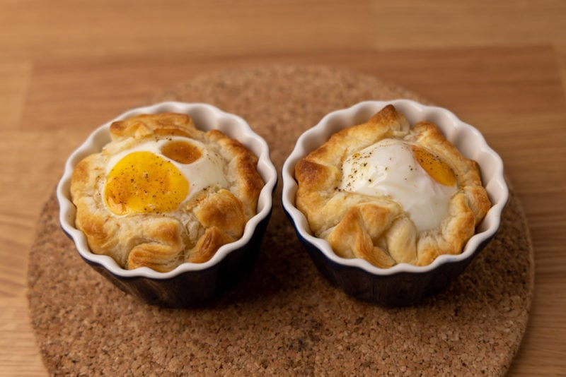 Baked puff pastry with eggs