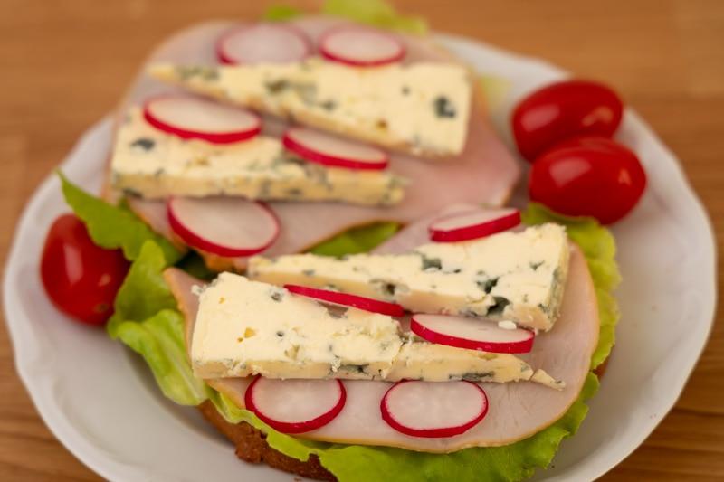 Blue cheese sandwiches