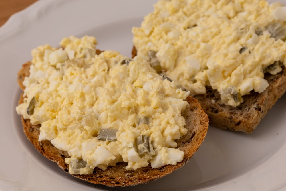 Bread with egg salad