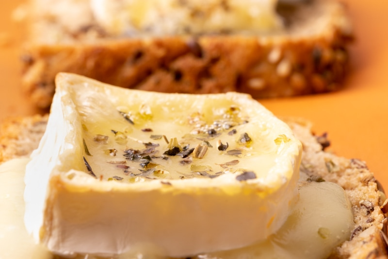 Brie toasts