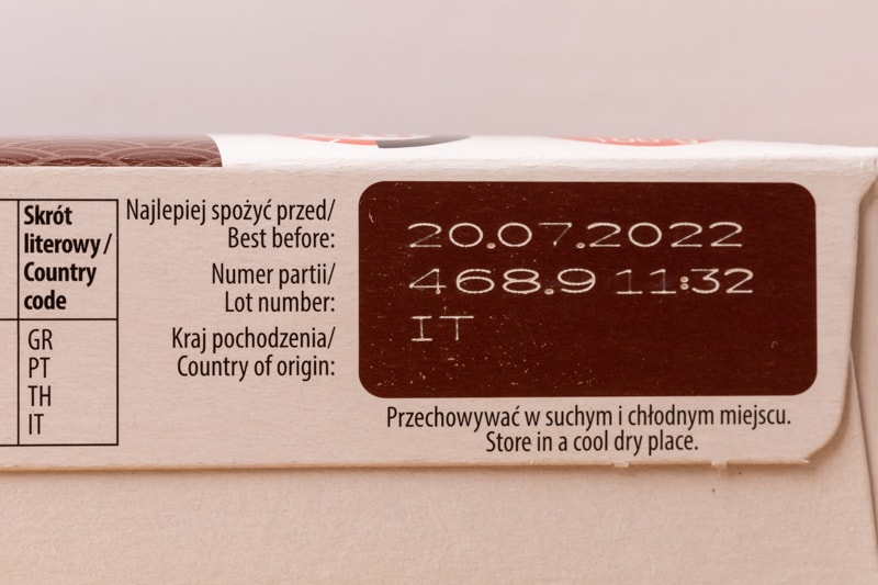 Brown rice: best before date on the label