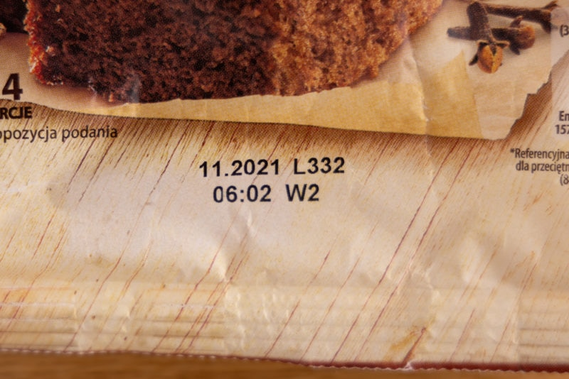 Cake mix: date on label