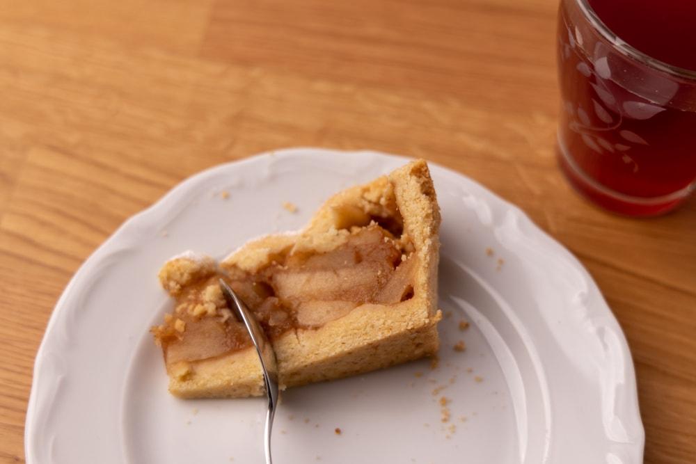 Eating apple pie