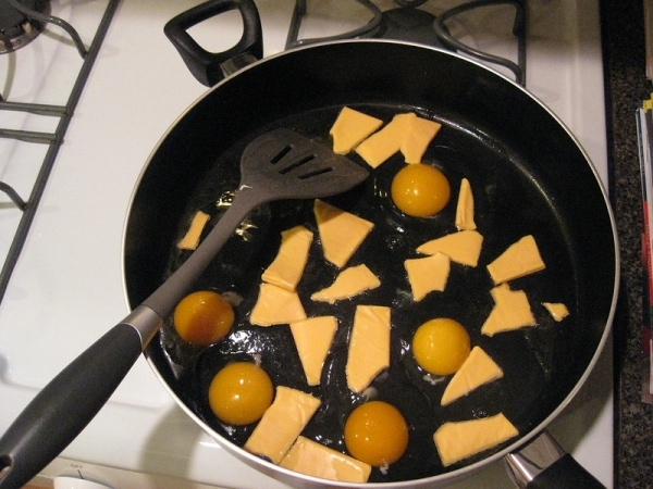 Eggs with Velveeta