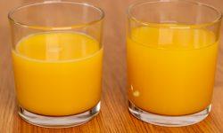 Fresh and thawed orange juice