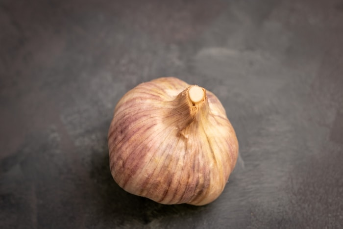 A whole garlic bulb