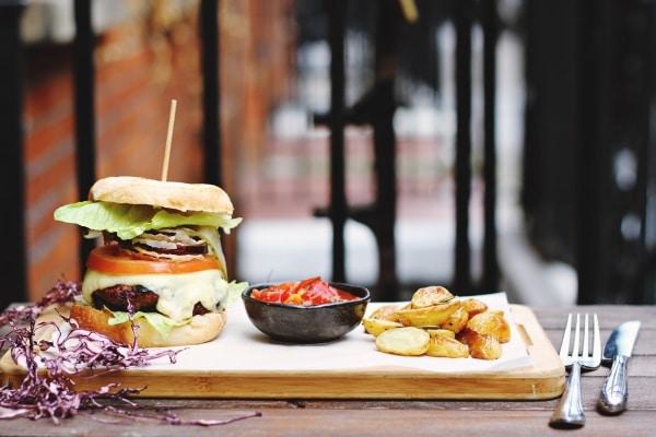 Hamburger and salsa side