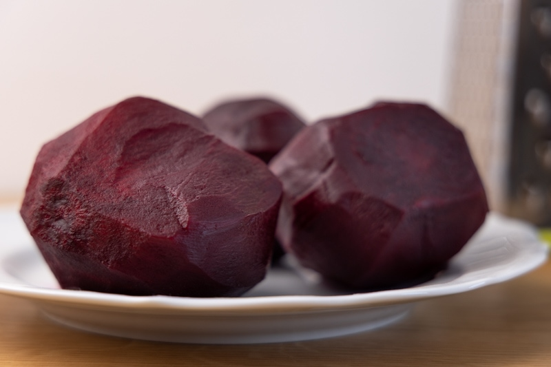 Cooked and peeled beets