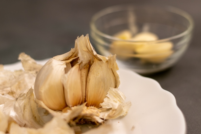 Peeling garlic cloves