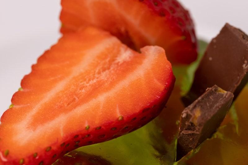 Strawberries topped jello dessert