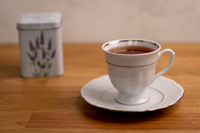 Tea cup with container