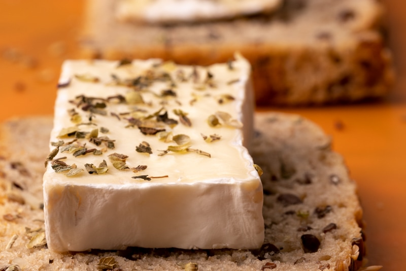 Thawed brie with basil & oregano