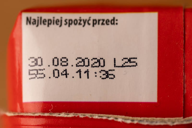 Tomato juice: date on container