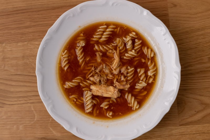 Tomato soup with chicken and pasta