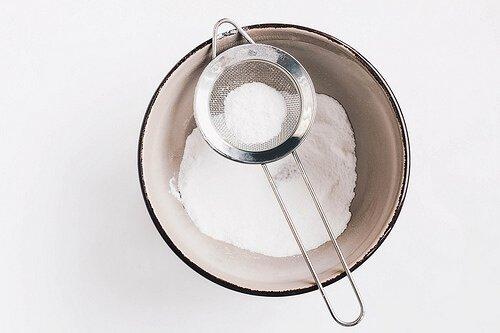 Baking: powdered sugar in a sieve